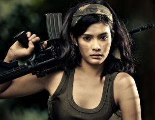 07-Women-With-Gun-Asian-Girl-Hottie